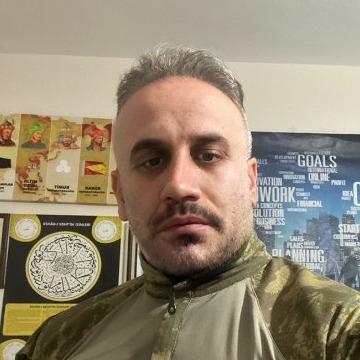 balzac, 42, Istanbul, Turkey
