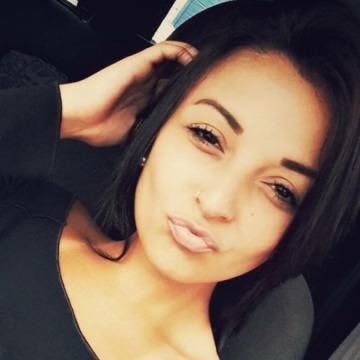 Tanesha ward, 26, Los Angeles, United States