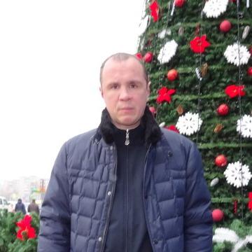 олег, 40, Lutsk, Ukraine