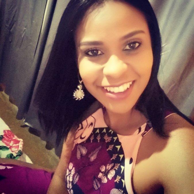 Raquel Maria, 32, Almenara, Brazil