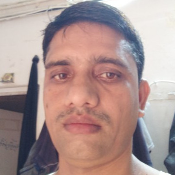 Anwar, 31, Muscat, Oman