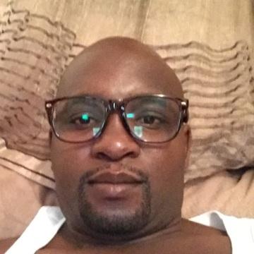 Taibo, 38, Maputo, Mozambique
