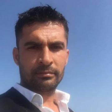 Özgür Akkaş, 40, Istanbul, Turkey