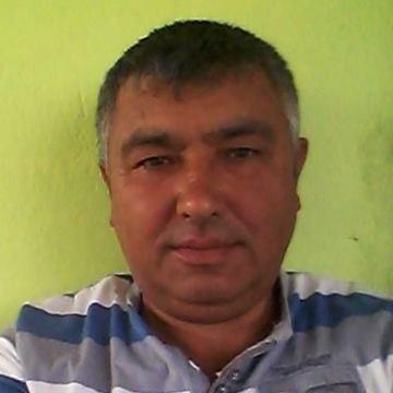 Yuksel Şahin, 41, Istanbul, Turkey