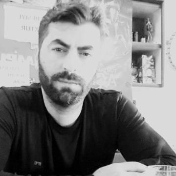 Sinan Aktaş, 38, Istanbul, Turkey
