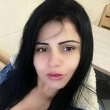 Jane, 23, Dubai, United Arab Emirates