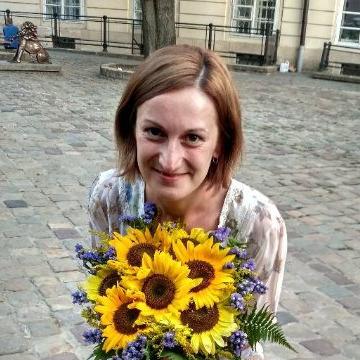 Olga, 27, Lviv, Ukraine
