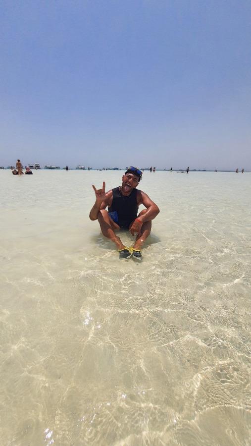 EMAD MOHAMED, 35, Cairo, Egypt