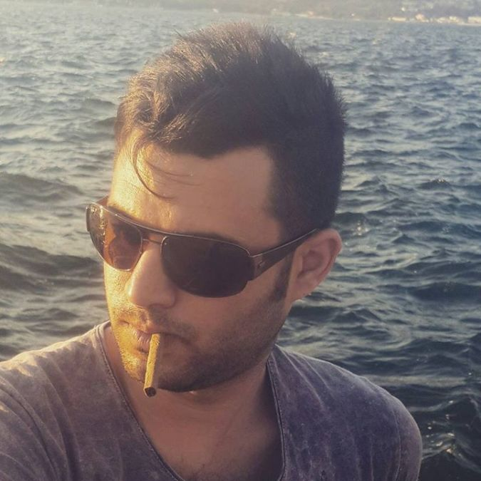 yusuf şahin, 32, Izmir, Turkey
