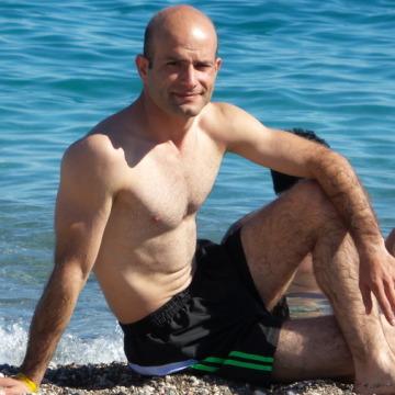 Güney Soylu, 37, Gaziantep, Turkey