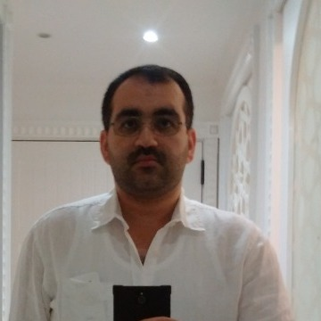 Hashim, 35, Dubai, United Arab Emirates
