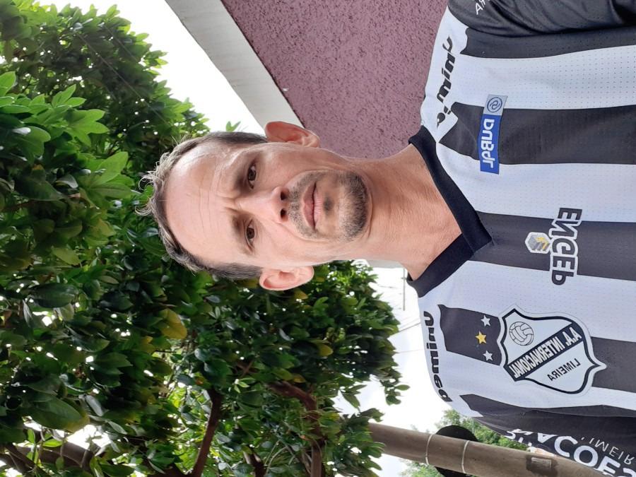 Evaldo Neto, 44, Limeira, Brazil