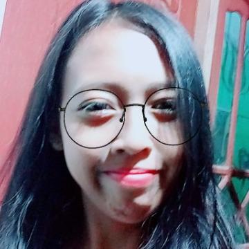 Dewi, 24, Kudus, Indonesia