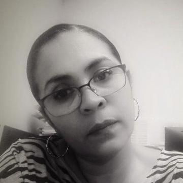 Elizabeth, 52, Tegucigalpa, Honduras