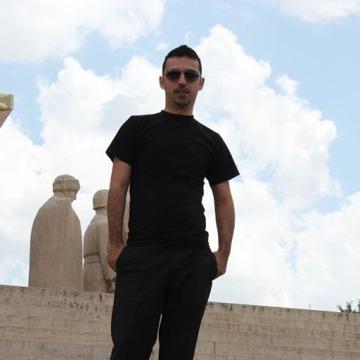 Emre ÖztÜrk, 33, Istanbul, Turkey