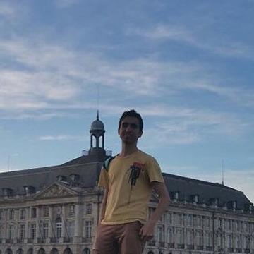 Adil Jaouahir, 29, Paris, France