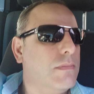 Aydın Küçük, 45, Istanbul, Turkey