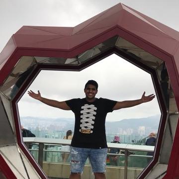 Ramon Q, 25, Dubai, United Arab Emirates