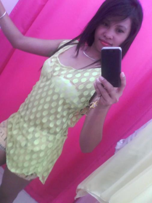 Rochelle Umali, 31, Batangas, Philippines