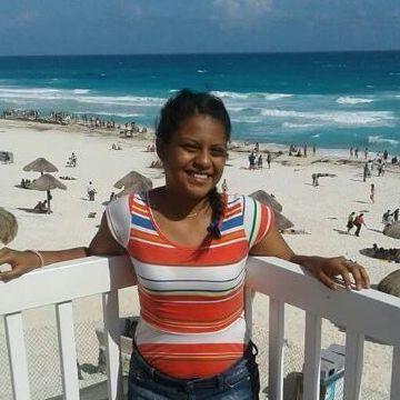Maritza Suastegui, 26, Playa Del Carmen, Mexico