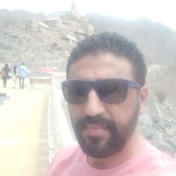 Hesham, 37, Fujairah, United Arab Emirates