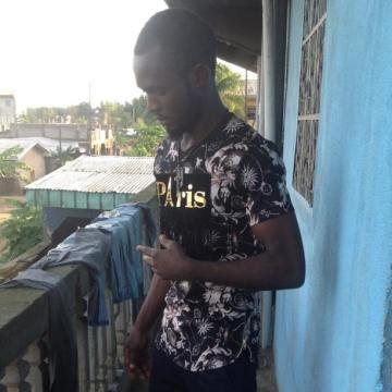 Cat cam, 30, Douala, Cameroon