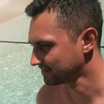 Gökay, 32, Istanbul, Turkey
