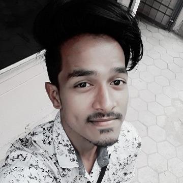 Råj Thäkur, 23, Mumbai, India