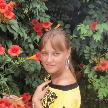 инна, 32, Tyumen, Russian Federation
