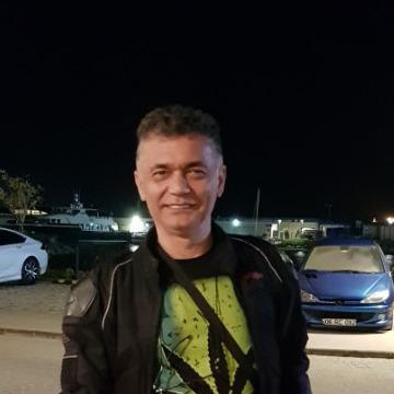 Naw Acil, 48, Istanbul, Turkey