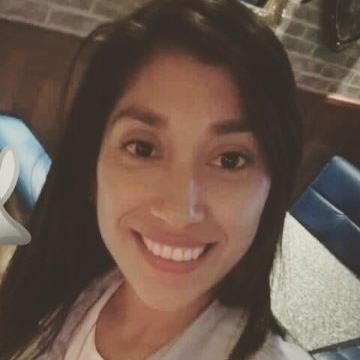 Carmen, 29, Chimbote, Peru