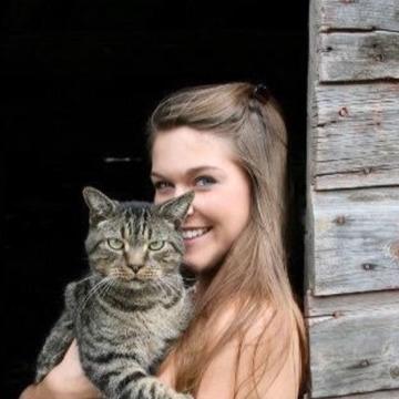 Beatrice Collins, 33, Sierra Vista, United States
