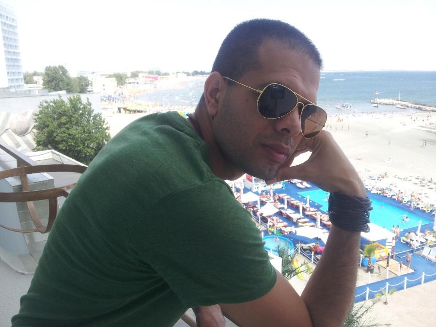 NIRO, 43, Tel Aviv, Israel