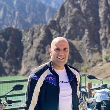 Solo traveller, 36, Dubai, United Arab Emirates