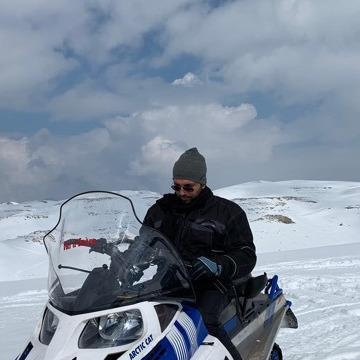Hamad, 43, Doha, Qatar