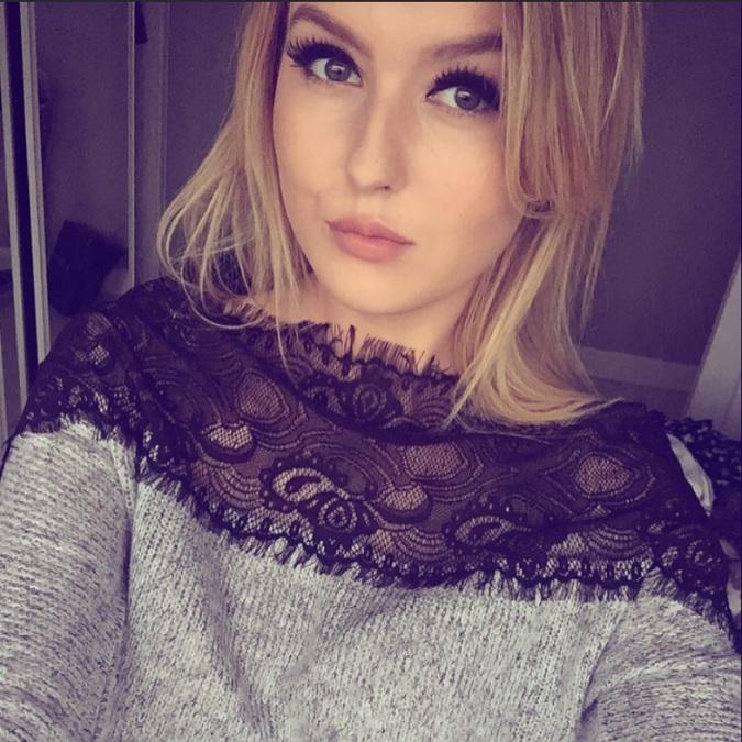 Hollie, 22, Sheffield, United Kingdom