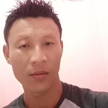 Emphi, 32, Depok, Indonesia