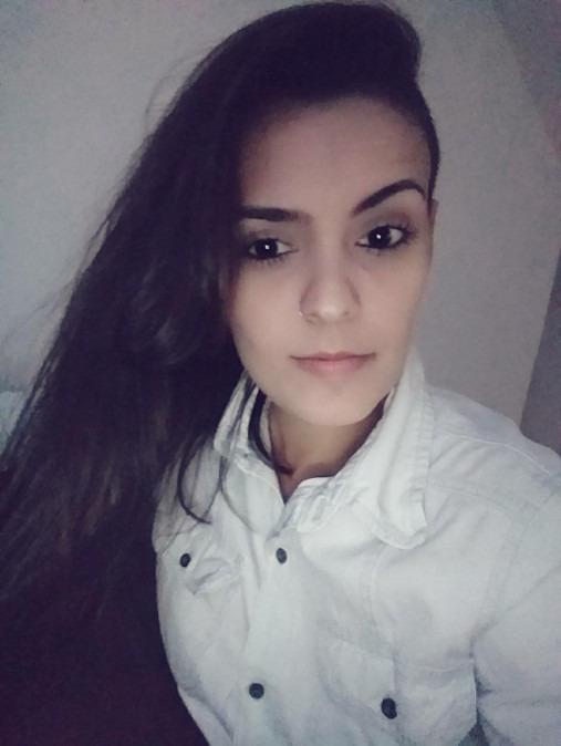 Izabela Cruz, 33, Rio de Janeiro, Brazil