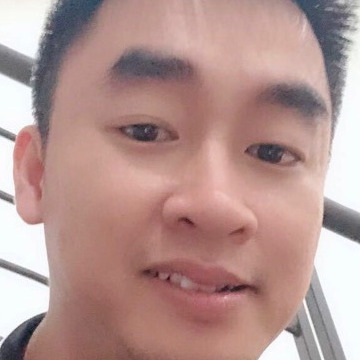 Lee, 31, Da Nang, Vietnam