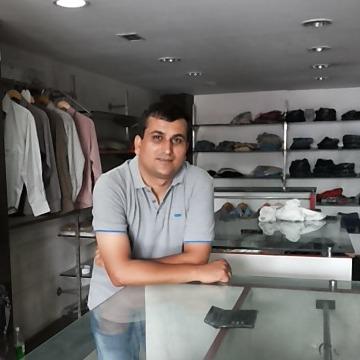 DINESH KUMAR SANGWAN, 35, Bhiwani, India