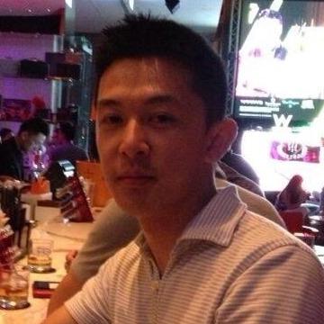 Alwyn Y, 31, Vancouver, Canada