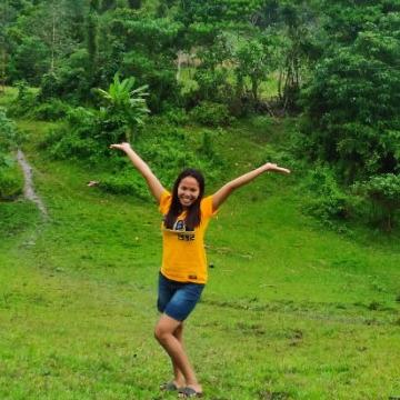 Jenny Celeste, 24, Iloilo City, Philippines
