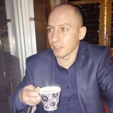 ibrahim, 40, Istanbul, Turkey