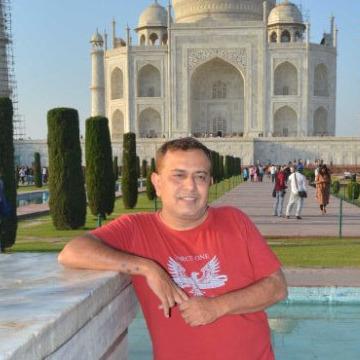 Oovi, 39, Mumbai, India