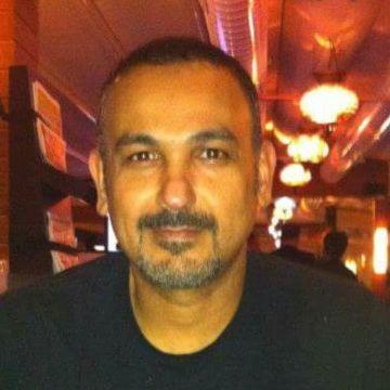 Tariq, 45, Kuwait City, Kuwait
