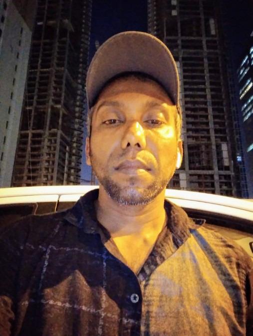Shiran De Costa ( Crazy De Costa ), 36, Colombo, Sri Lanka