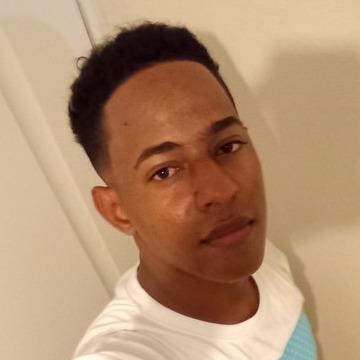 Miguel, 18, Santo Domingo, Dominican Republic
