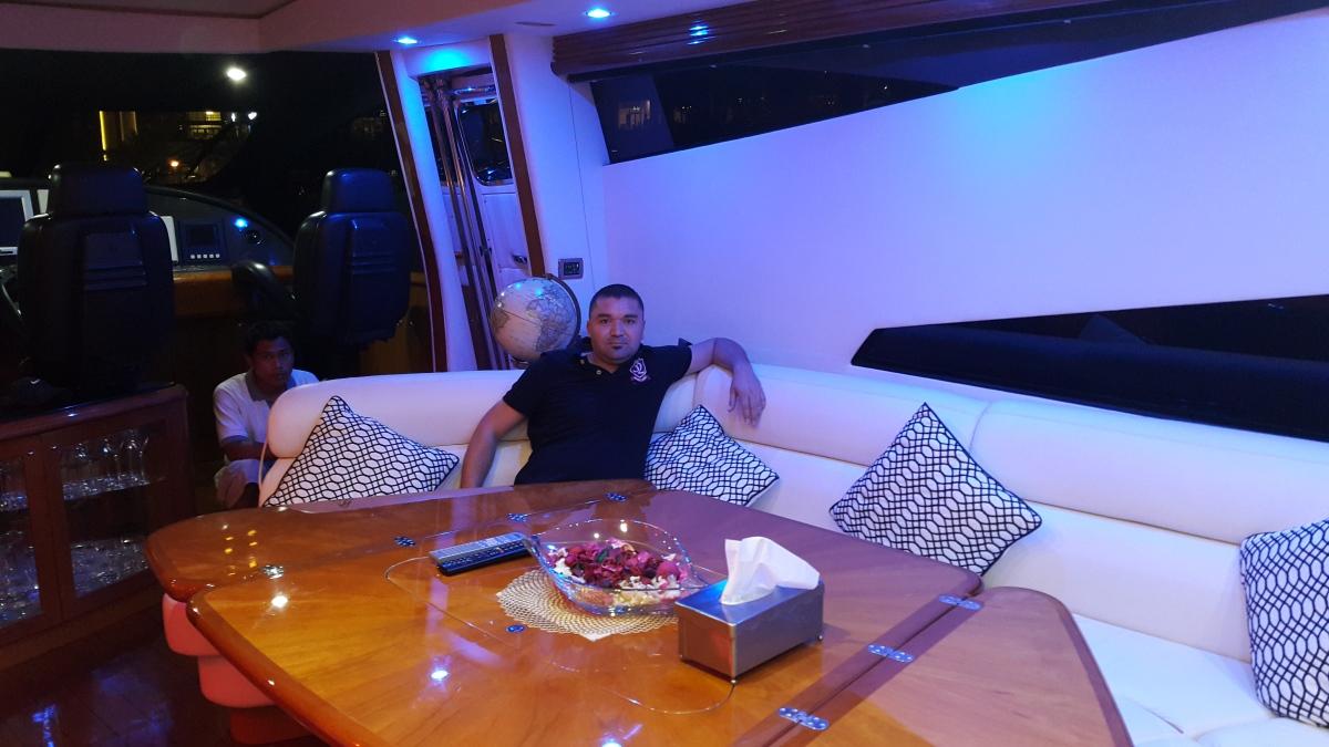 Emad, 38, Dubai, United Arab Emirates