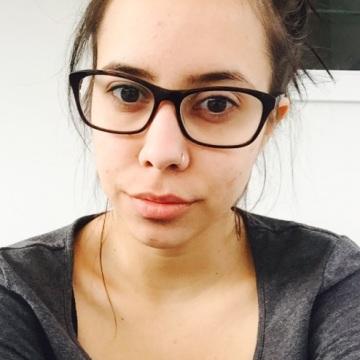 Bella Silva, 25, Auckland, New Zealand
