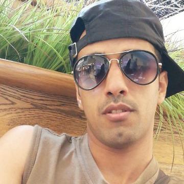 Abdullh, 33, Taif, Saudi Arabia